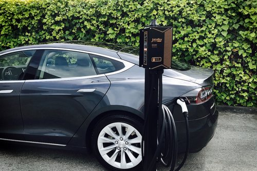 Can Any Electric Car Use Tesla Charging Stations